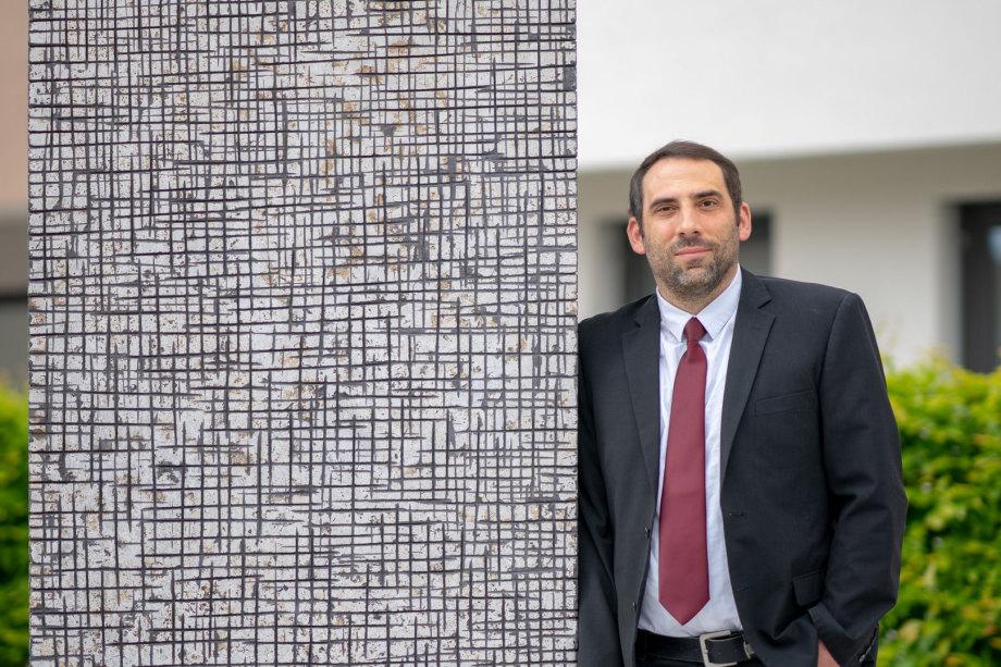 Rechtsanwalt Amann ist als Inhaber der Kanzlei in der sehr speziellen Rechtsthematik Luftsicherheitsrecht tätig und verfügt hierin über jahrelange Erfahrung sowie besondere Kenntnis im Zuverlässigkeit